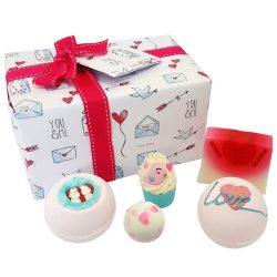 Bomb Cosmetics Szerelmes szívek ajándékcsomag